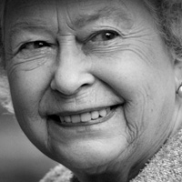 A Step-By-Step Guide to Photographing the Queen