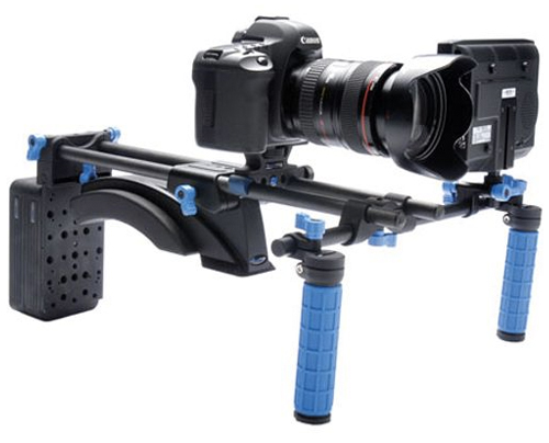 DSLR on shoulder rig
