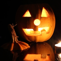 How to Make Fantastically Fun Jack 'O Lantern Photos